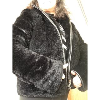 ディーゼル(DIESEL)のマーブルさま専用 本物保証 美品 暖かい ディーゼルブラックゴールド コート(毛皮/ファーコート)