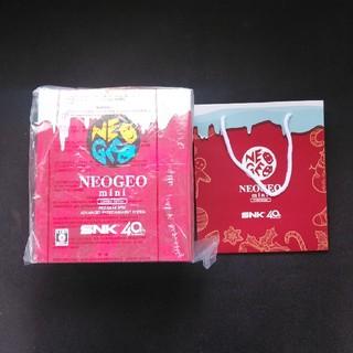 エスエヌケイ(SNK)のNEOGEO mini Christmas Limited Edition  (家庭用ゲーム本体)