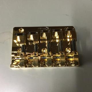 ベース用5弦ブリッジ GOLD(パーツ)