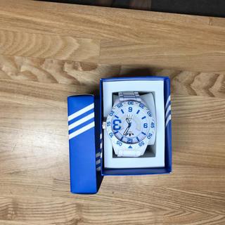 アディダス(adidas)のアディダス 時計 白 青(腕時計(アナログ))