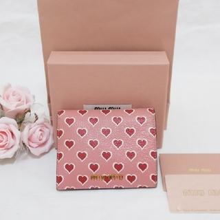 675b8d510f59 ミュウミュウ(miumiu)の大人気❤miumiu MADRAS ハートプリント財布【ROSA】