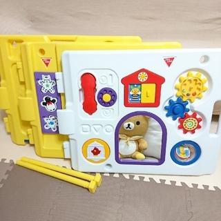 ニホンイクジ(日本育児)のミュージカルキッズランドDX おもちゃパネル二枚 拡張パネル一枚(ベビーサークル)