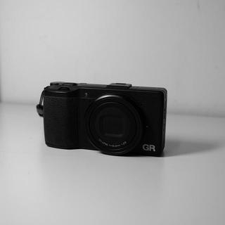 リコー(RICOH)のRicoh GR    APS-C   (コンパクトデジタルカメラ)