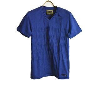 ドレストリップ(Drestrip)の新品 ドレストリップ スターメッセージエンボス加工VネックTシャツ M(Tシャツ/カットソー(半袖/袖なし))