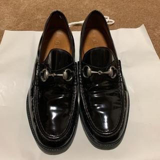 グッチ(Gucci)のGUCCI ビットローファー エナメル(ローファー/革靴)