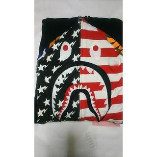 アベイシングエイプ(A BATHING APE)のAPE 国旗シャークパーカー(パーカー)