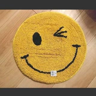 みに さま専用【再入荷】SMILE  ウィンク ダイカット ラウンド マット(玄関マット)