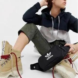 アディダス(adidas)の☆新作☆ adidas ウエストバッグ ブラック ★新品・未使用・タグ付き★(ボディバッグ/ウエストポーチ)