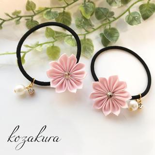 桜のヘアゴム (ヘアアクセサリー)