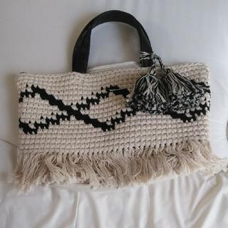 シマムラ(しまむら)のマクラメ編みフリンジバッグ しまむら(トートバッグ)