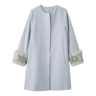 ジーユー(GU)のファー付きコート 水色(毛皮/ファーコート)