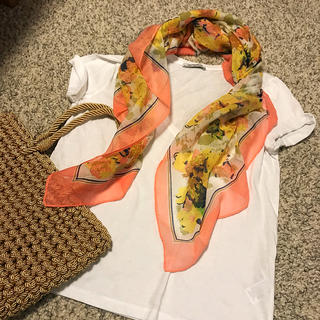 ザラ(ZARA)の春色 ピンク スカーフ 花柄 ボタニカル 薄手  ストール  春 (バンダナ/スカーフ)