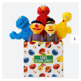 SESAME STREET - 新品未開封 ★ 店舗限定 カウズ セサミストリートトイコンプリートボックス