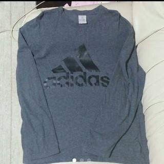 アディダス(adidas)のadidas デカロゴ ロンT♡ メンズのOサイズです☆(Tシャツ/カットソー(七分/長袖))