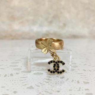 シャネル(CHANEL)の正規品 シャネル 指輪 クローバー ココマーク 黒石 四つ葉 ゴールド リング(リング(指輪))