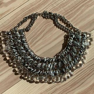 ザラ(ZARA)のZARA ホワイト クリスタル シルバー 編み ネックレス(ネックレス)