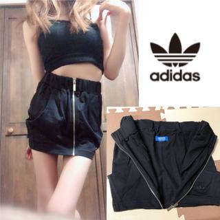 アディダス(adidas)のadidas スリーライン スカート (ミニスカート)