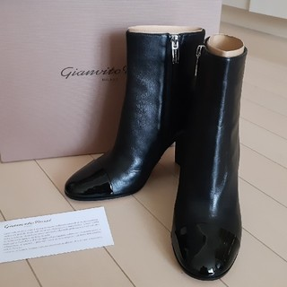 ジャンヴィットロッシ(Gianvito Rossi)の☆新品☆GIANVITOROSSI☆ジャンヴィトロッシ☆黒☆ショートブーツ☆34(ブーツ)