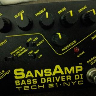 sansamp bass driver di tech 21 nyc(ベースエフェクター)