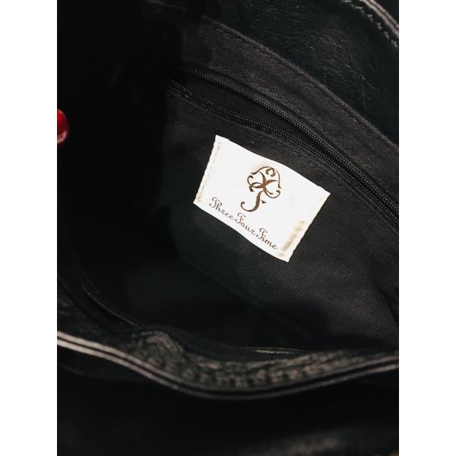 ThreeFourTime(スリーフォータイム)のthree four time 本革ショルダーバッグ 羊革 黒 美品 レディースのバッグ(ショルダーバッグ)の商品写真