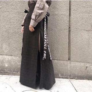 クライ(Cry. STORE)のロゴテープスリットスカート(ロングスカート)