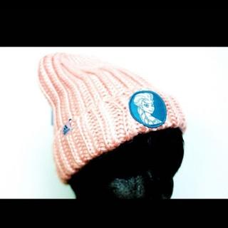 アディダス(adidas)の‼️adidas 新品 保温 防寒 アナと雪の女王 ニットキャップ ピンク‼️(ニット帽/ビーニー)