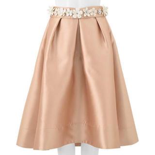 チェスティ(Chesty)の値引きします!チェスティ ♡ フラワー ベルト スカート ベージュ(ひざ丈スカート)