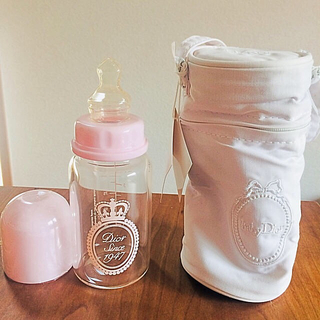 ベビーディオール(baby Dior)の未使用 babyDior 125ml ガラス製哺乳瓶+哺乳瓶ケース(哺乳ビン)