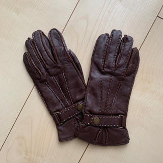 トゥモローランド(TOMORROWLAND)のtomorrow land 本革手袋(手袋)