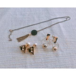 ジーユー(GU)のGU アクセサリー ネックレス イヤリング (ネックレス)