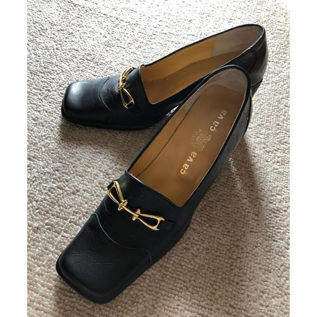 cavacava(サヴァサヴァ)の美品  サヴァサヴァパンプス黒×ゴールド 型押し加工 レディースの靴/シューズ(ハイヒール/パンプス)の商品写真