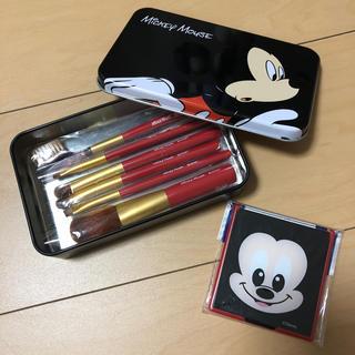 ディズニー(Disney)のミッキー☆メイクブラシセット&コンパクトミラー(コフレ/メイクアップセット)