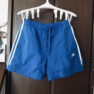 アディダス(adidas)のショートパンツ(ショートパンツ)