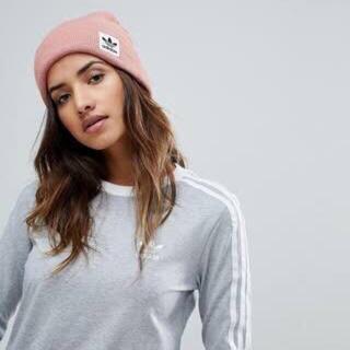アディダス(adidas)のadidas ニット帽 ピンク ユニセックス 新品 送料込み アディダス(ニット帽/ビーニー)