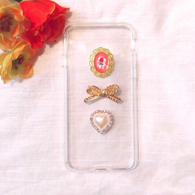 ◇10 赤い薔薇とゴールドリボンハートケースの通販 by &ChouChou (アンドシュシュ)|ラクマ