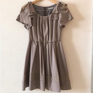 5c915805519f4 ウィルセレクション(WILLSELECTION)の肩リボンレースドレス(ひざ丈ワンピース)