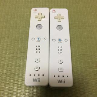 ウィー(Wii)の専用です!  Wiiリモコンストラップ付きホワイト2本 ヌンチャク2本(家庭用ゲーム本体)