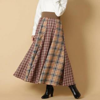 アンドクチュール(And Couture)の西野カナ 着用  アンドクュール  スカート(ロングスカート)