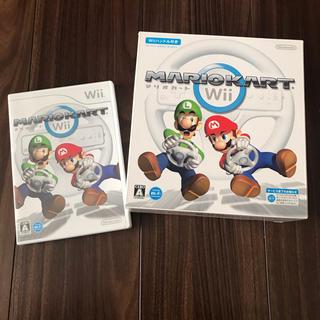 ウィー(Wii)のマリオカートWii   ハンドル付き(家庭用ゲームソフト)