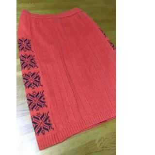 [ワールド] ニットスカート 赤(ひざ丈スカート)