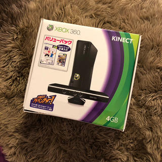 エックスボックス360(Xbox360)のXbox 360 4GB + Kinect コントローラー2個!(家庭用ゲーム本体)