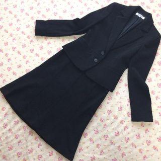 ナチュラルビューティーベーシック(NATURAL BEAUTY BASIC)のナチュラルビューティー スカートスーツ M W64 黒 ストレッチ 暖かい (スーツ)