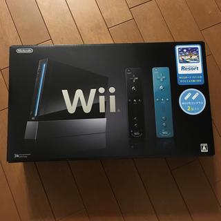 ウィー(Wii)のWii本体 (クロ) Wiiスポーツリゾート同梱(家庭用ゲーム本体)