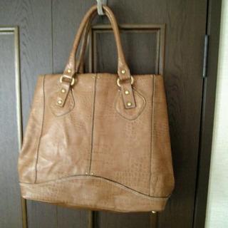 エクラムール(eclamour)の*  革の高級バッグ  牛革の型押  * 定価49800円(ハンドバッグ)