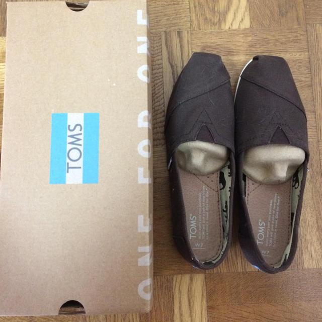 TOMS(トムズ)のTOMS レディース サイズ 24  7 レディースの靴/シューズ(スニーカー)の商品写真