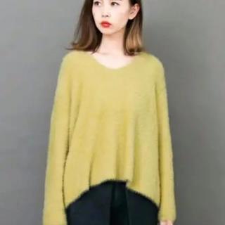 ケービーエフ(KBF)のKBF 黄色 ニット(ニット/セーター)
