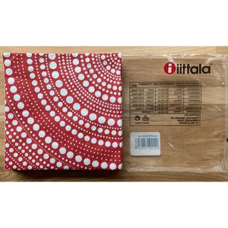 イッタラ(iittala)のイッタラ カステヘルミ ペーパーナプキン レッド18枚(テーブル用品)