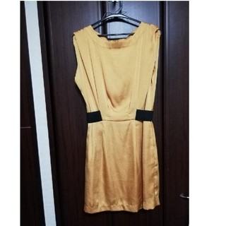 シェイナー(SHEINAR)のSHEINAR 結婚式 ゴールド 膝丈ワンピース(ミディアムドレス)