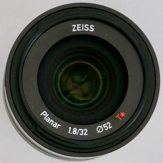 フジフイルム(富士フイルム)の【美品】ZEISS TOUIT 1.8/32 富士フィルム Xマウント用(レンズ(単焦点))