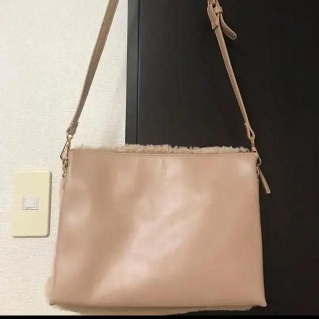 ThreeFourTime(スリーフォータイム)の【美品】ピンクベージュ ファーバッグ レディースのバッグ(ショルダーバッグ)の商品写真